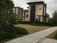 中梁4期联排别墅220平。实得500平750万三面大花园带地下室就读实验小学