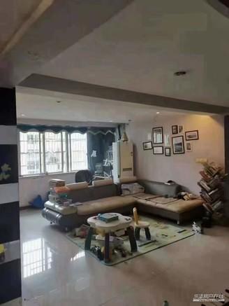 出售金鼎公寓中证上面积128平方,东边无遮挡,3室2厅2卫光照极好,送大车库