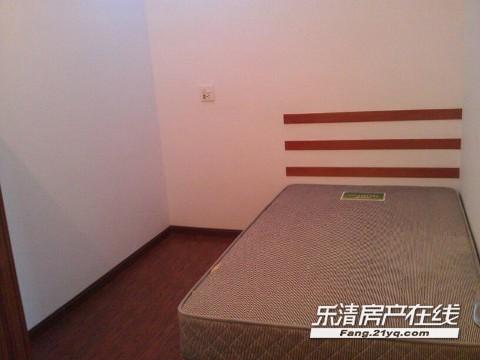朴湖路口全新装修公寓对外出租