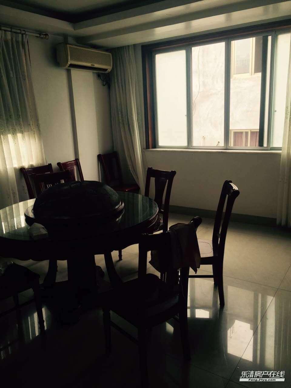 出租白沙2环路旁5楼配套齐,拎包入住,生活方便,3室2卫3.2万