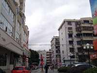 双雁小区4楼,120平,证满两年,128万,4室2厅2卫,带车库