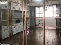 出售:鸿源小区二楼 四室两厅三卫 160平 价102万
