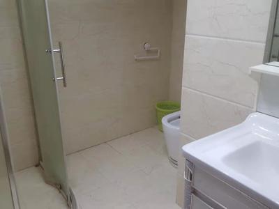 出租 丹霞一区套房 3室2厅3卫 东边套有电梯 住家装修