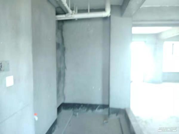 滨江花苑150平方好层毛坯3室2厅3卫手续清晰