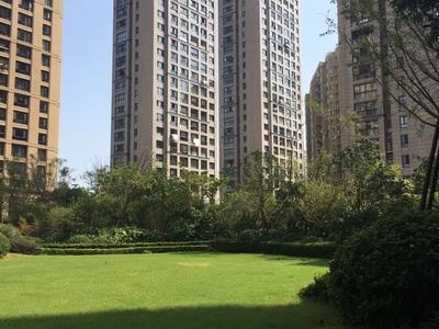 时代御峰394平,送超大阳台300平,装修木工已完毕,低价出售488万