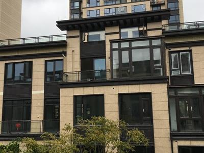 中梁叠墅157平1到3层实际面积300多平卖388万送地下室三面花园装修木工好了