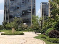 出售绿城玫瑰园边套143平米315万证已满学区城南一中一小,市中心繁华地段