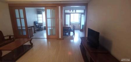 出售 清远路 中心小区 好楼层 八小 大阳台 清爽装修 有证