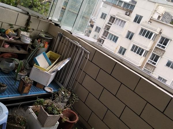 出售 鸣阳路 银河花园 一小 精装 送车库 中层 电梯房