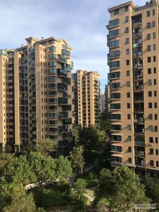 中驰湖滨172平中层特价258万精装4室新七小学区紧邻清河公园体育馆