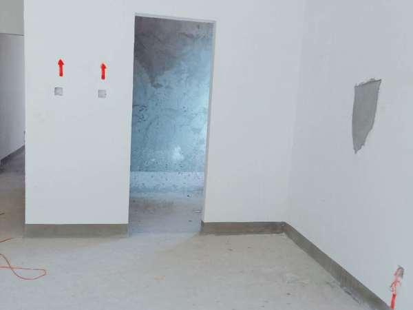 中梁二期136平232万 四室 采光没有遮挡 证满2过户省 体育馆边上