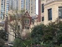 悦荣 府联排别墅229平诚心出售630万送两层地下室前后大花园 看房方便