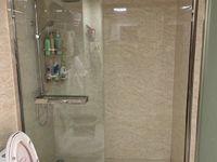 出售汇丰路华得力 小区 电梯商品房189平方精装修,有车库朝南户型方正
