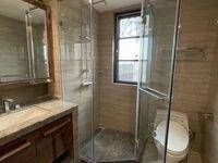 出售富力中央公园一期 新房边套135平方精装修,三室二厅二卫一书房大阳台大飘窗