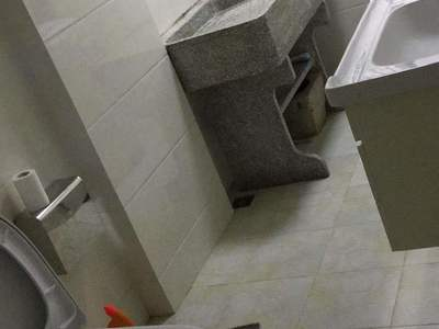 景湾花园B区 90平 3室1厅2卫 4万/年