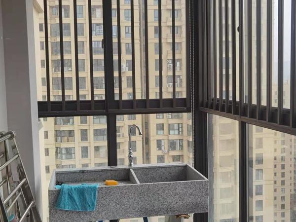 海上明月 22楼高层 边套 103平方 精装修