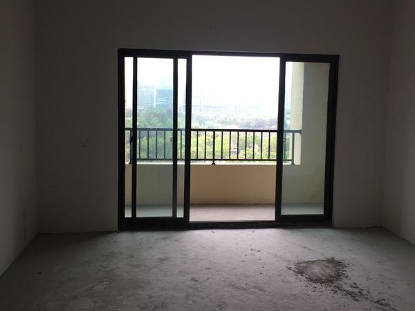 绿城玫瑰园142平高层4室2厅2卫 视野采光好, 赠送面积多,有车位就读城南一小